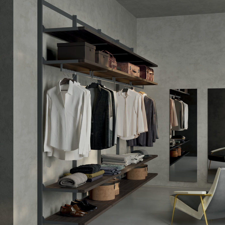 Naked walk-in closet Orme